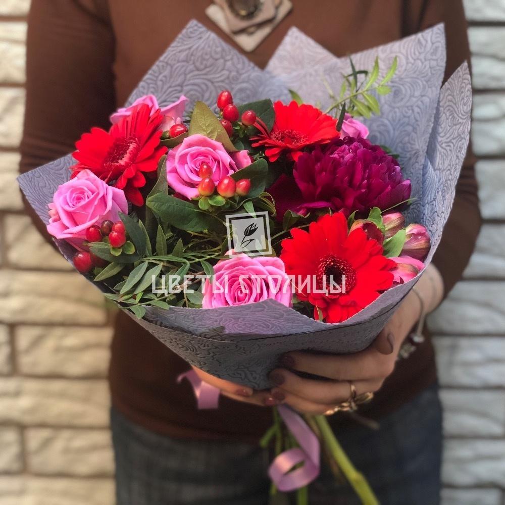 Необычный букет из роз и герберы 14
